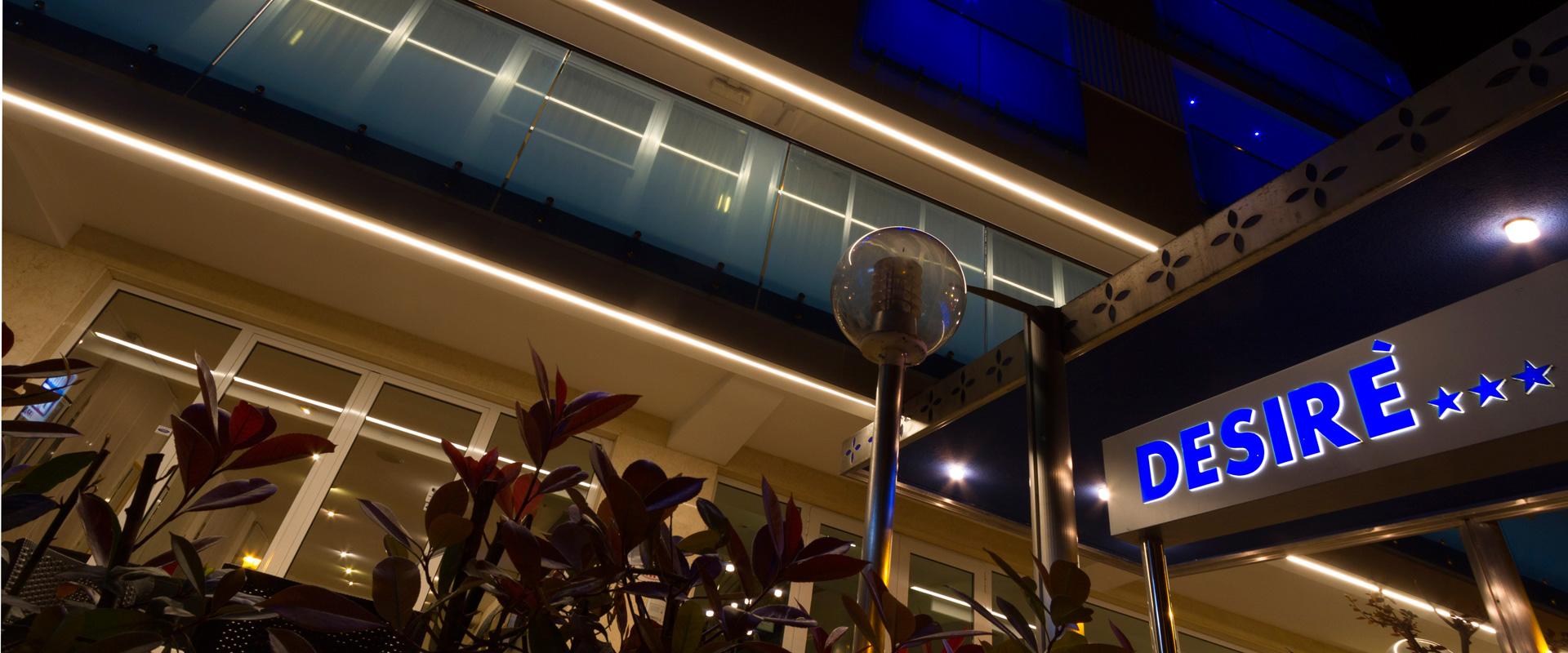 Esterno Hotel Desire Riccione